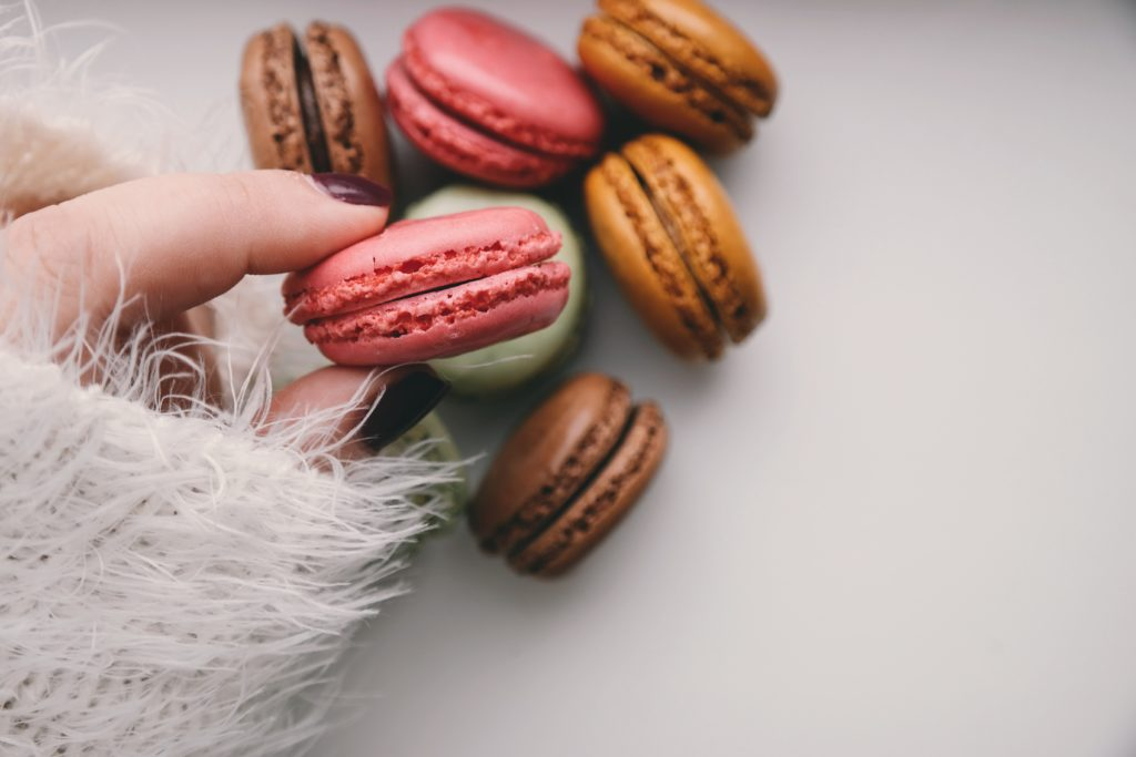 Easy French Macarons Recipe - Annabel's Bakes - French macarons